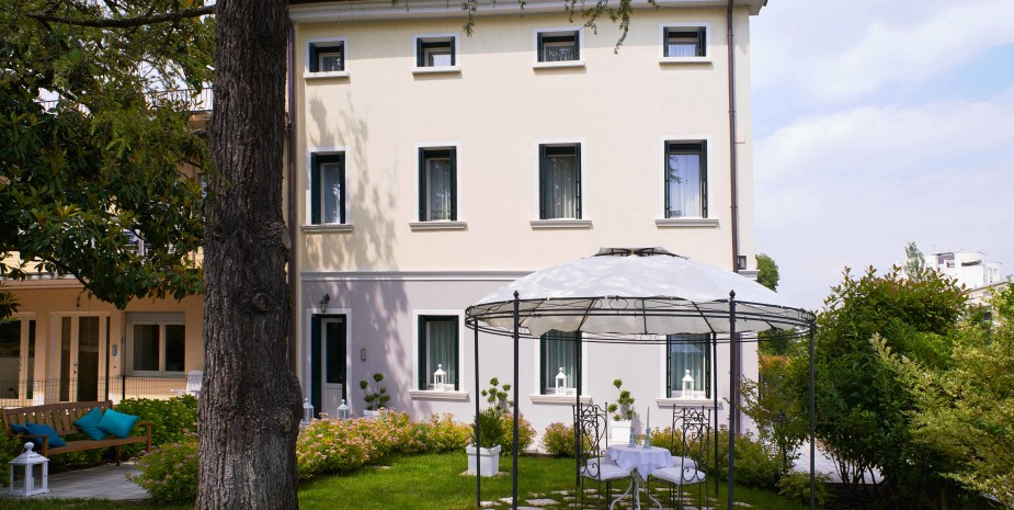 Bed and Breakfast Treviso Italia Le Tre Corti Giardino Gazebo