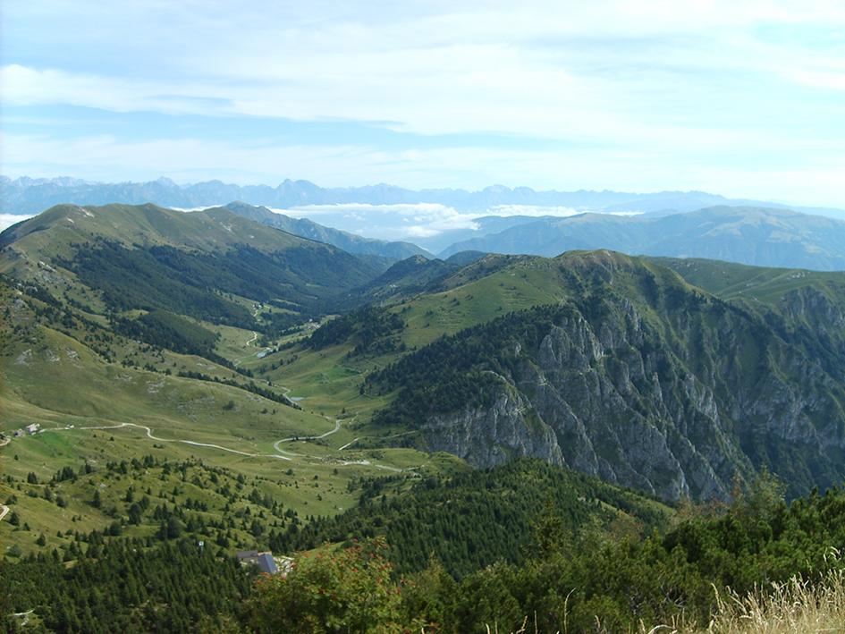 Vista Monte Grappa - Scoprire Treviso B&B Le Tre Corti